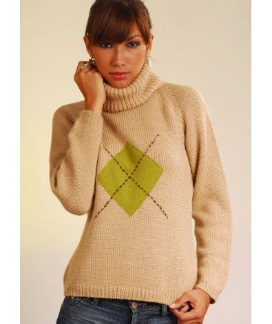 Alpaca sweater with a diamond patch, turtle neck and long sleeves