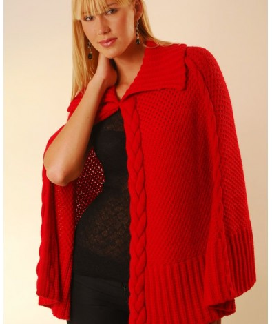 Alpaca cape with cables